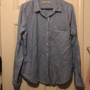NWOT blue button down in size xl
